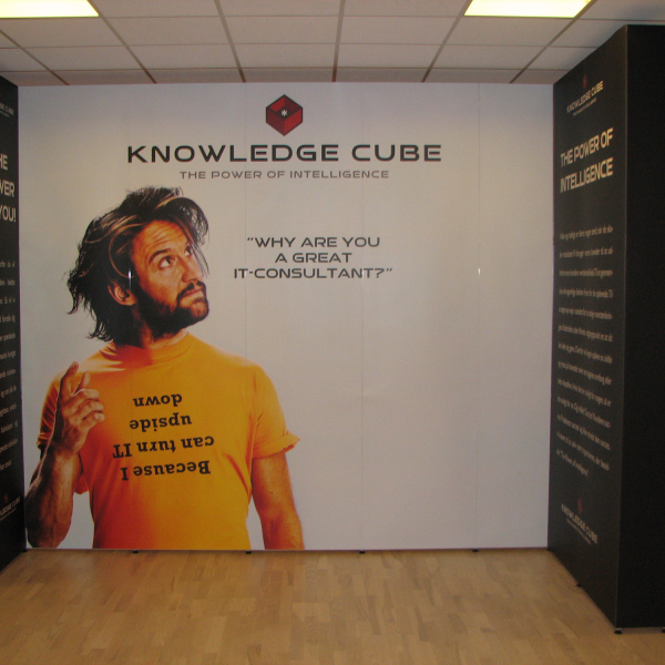 Knowledge-Cube_messestand2