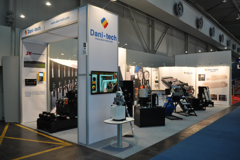 dani-tech_messestand