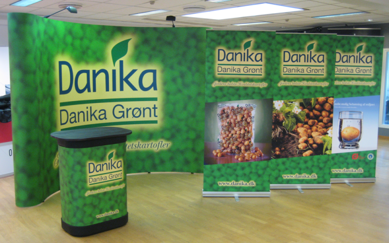 danika_messestand